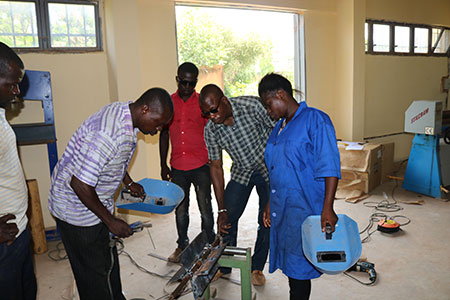 Popularization of improved stoves with professional processors of agrifood products